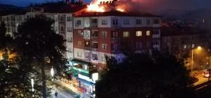 Burdur'da korkutan çatı yangını Günısı tamiratı sırasında çıkan yangın çatıyı küle çevirdi Yangın güçlükle kontrol altına alınabildi