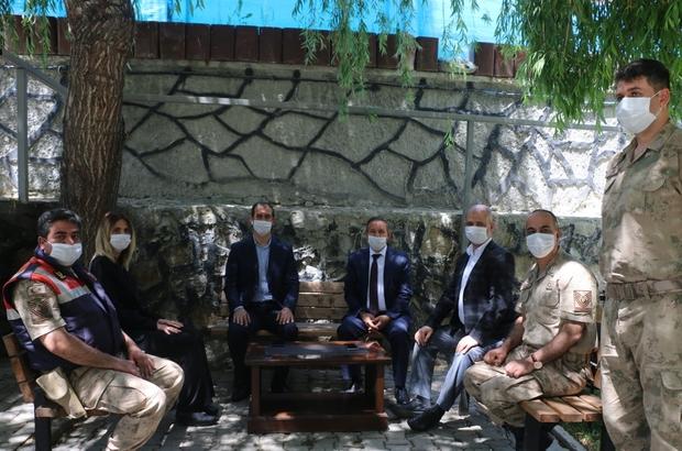 Kaymakam Aksu ve Başkan Yaptırmış, İlçe Jandarma Komutanlığını ziyaret etti