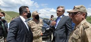 Erzurum Valisi Memiş depremden etkilenen mezralarda incelemelerde bulundu