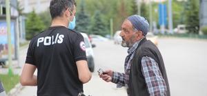 Yaşlı adam kamyonla çarptığı kadının sağlık durumunu uzun süre polislere sordu