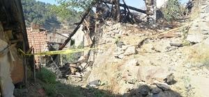 3 evin kül olduğu yangın sonrası hasar tespit çalışmaları başladı