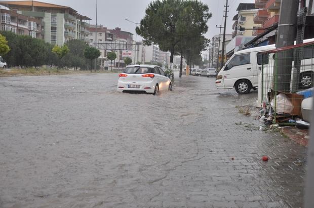 Soma'da aşırı yağış hayatı felç etti