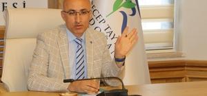 """RTEÜ Rektörü Karaman: """"Aileler heyecan ve kaygılarını çocuklarına hissettirmemeliler"""""""