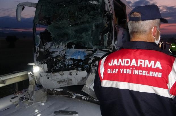 Acı kazada otobüs şoförünün 'uyuyakaldı' iddiası 2 kişinin hayatını kaybettiği 18 kişinin de yaralandığı otobüsü kazasında çarpıcı detay