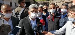 """Vali Bilmez deprem bölgesinde Van Valisi Mehmet Emin Bilmez: """"Enkaz altında kalan herhangi bir vatandaşımız yok"""""""
