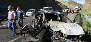 Erzurum'da feci kaza: 2 ölü, 3 yaralı Yanan araçta Erzurum Valiliği Yatırım İzleme ve Koordinasyon Başkanlığı İdari ve Mali İşler Müdürü Cihat Demir ile 1 kişi yanarak hayatını kaybetti