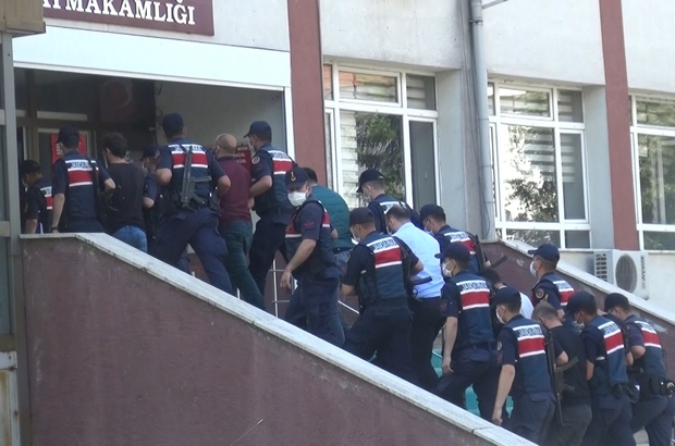 Bolu'da tarihi eser kaçakçısı 7 kişi adliyeye sevk edildi Alıcı kılığına giren jandarma ekipleri 1 milyon dolarlık tarihi eseri kurtardı