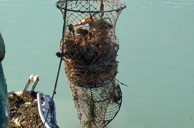 Eğirdir Gölü'nde kaçak avcılıkla mücadele 16 bin 200 metre uzatma ağı, 4 adet ruhsatsız tekne ile av malzemeleri ele geçirildi