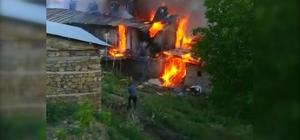 Yangında 5 ev, 5 ahır ve samanlıklar yanarak kül oldu