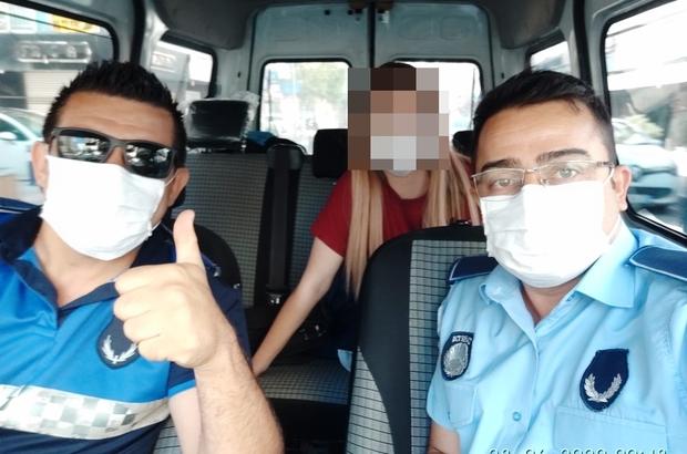 Zabıta, sınava geç kalanları yetiştirdi İzmir Büyükşehir Belediyesinden hafta sonu mesaisi