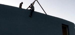 İnşaat işçisi çalıştığı inşaatta intihara kalkıştı