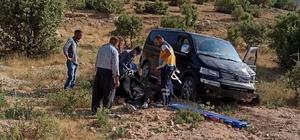 Siirt'te minibüs şarampole devrildi: 3 yaralı
