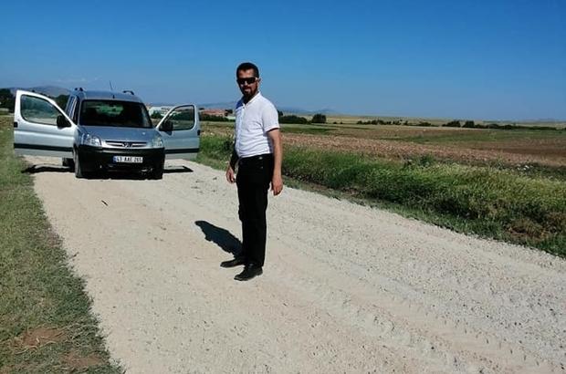 Aslanapa'da tarım arazilerine giden yollar yapılıyor