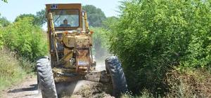 Altıeylül kırsalda yol çalışmalarına devam ediyor