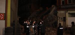 Erzurum'da 5 katlı metruk bina çöktü Çökme anında çevrede kimsenin olmaması felaketi önledi