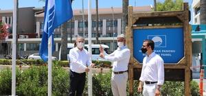 Başkan Oktay mavi bayrağı göndere çekti