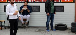 Yemek yiyerek binanın yıkılmasını izlediler Riskli binaların yıkımına başlandı
