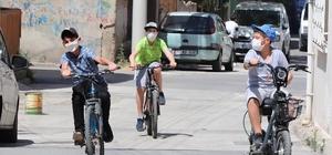 """Bayraklı Belediyesinden 'mutluluk' kampanyası """"Eski bisikletin mutluluk olsun"""""""