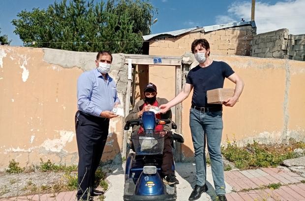 Engelli vatandaşlara hijyen seti dağıttılar
