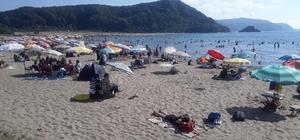 Bartın'da sahiller doldu, taştı Sıcaktan bunalan vatandaşlar sahillere akın etti
