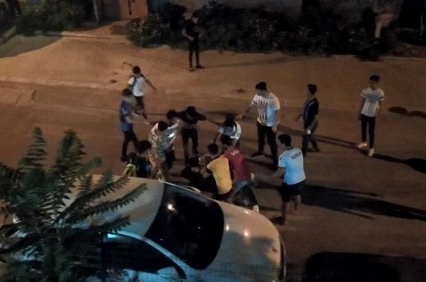 Adana Demirspor berabere kaldı, taraftarlar kavgaya tutuştu Adana'da, kavga eden taraftar grubu polisin gelmesiyle koşarak olay yerinden kaçtı