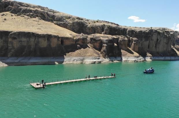 9 milyon yıllık kanyonlar için iskeleler çekilerek, kuruldu