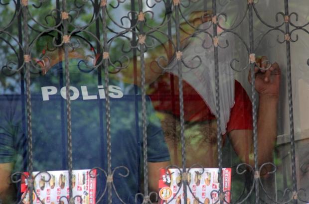 Çocuklarını göremeyince ölmek istedi Adana'da çocuklarını göremediğini ileri süren bir kişi intihar girişiminde bulundu