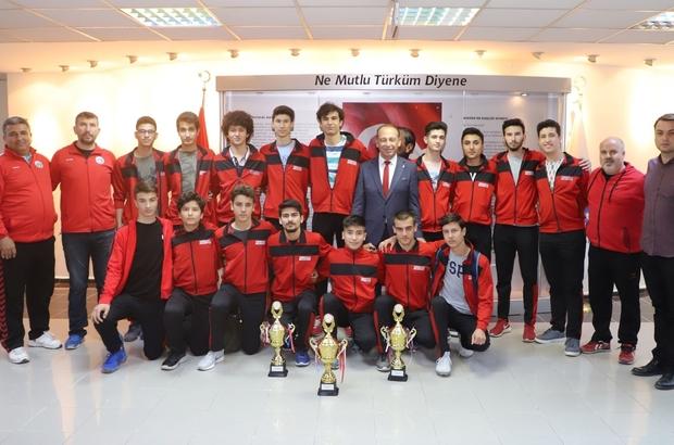 Turgutlu Belediyespor Erkek Voleybol Takımı 2. Ligde