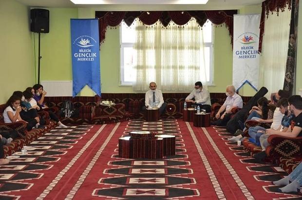İl Müdürü Yasin Özdemir Has Oda'da gençler ile buluştu.