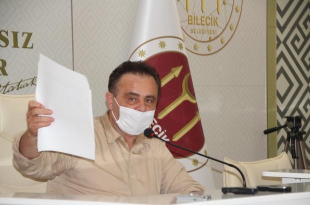 """Başkan Şahin, """"Tarih yapanlarla anılır, yıkanlarla değil"""" Bilecik Belediye Başkanı Semih Şahin; """"Atatürk Parkından kamu zararı olursa da ben cebimden ödeyeceğim"""" """"Bizim kişilerle işimiz yok, yeter ki Bilecik'te güzel işler olsun"""" """"Kestiğimiz suyun içme suyu olarak analiz yok"""""""