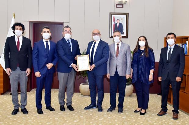 MCBÜ Sosyal Bilimler Enstitüsü ISO 9001-2015 belgesi aldı