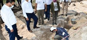 Vali Gürel antik kentteki kazı çalışmalarını inceledi