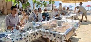 81 milyon liralık yatırım tanıtıldı Muğla Büyükşehir Belediyesi tarafından Milas'ın Ören Mahallesine yapılacak olan 81 milyon liralık alt yapı yatırımının tanıtımı Ören halkına yapıldı.