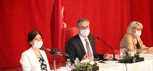 """CHP'li Başkan'dan CHP'li meclis üyesine tepki Gaziemir Belediye Başkanı Halil Arda: """"Maşallah siz varken AKP'ye gerek yok"""""""
