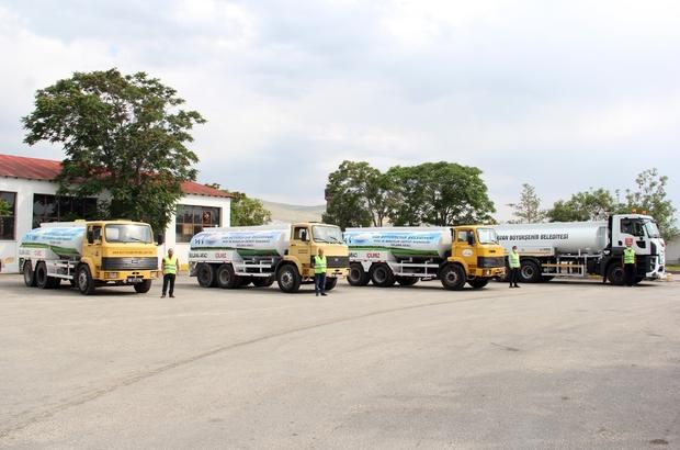Van Büyükşehir Belediyesi hurda kamyonları arazöze çevirdi