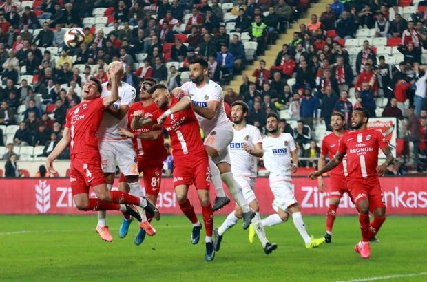 FTA Antalyaspor'dan yeni bir rekor Antalyaspor, 7 maçtır deplasmanda yenilmeyerek kulüp tarihinin yeni rekorunu kırdı