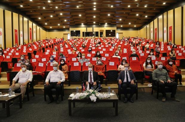 Göreve başlayan sürekli işçilere hizmet içi eğitim Sivas Cumhuriyet Üniversitesi sağlık Hizmetleri Uygulama ve Araştırma Hastanesi'ne tahsis edilen 200 sürekli işçiye hizmet içi eğitim verildi