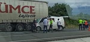Panelvan minibüs tıra arkadan çarptı: 1 ölü, 1 yaralı