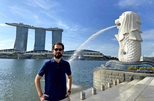 İzmir'de başlayan, İngiltere'den Singapur'a uzanan başarı Otomotiv devi Delphi'nin Singapur ofisi ona emanet