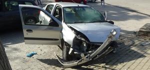 Yaptığı kaza sonrası 100 metre duramayarak, bir kaza daha yaptı Bilecik'te meydana gelen trafik kazasında 1 kişi yaralandı