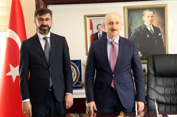 """Bakan Karaismailoğlu Bitlis'te Ulaştırma ve Altyapı Bakanı Adil Karaismailoğlu: """"Bitlis'te de çok önemli projelerimiz var. Şu an devam eden projelerimiz 2,5 milyar lira civarında"""""""