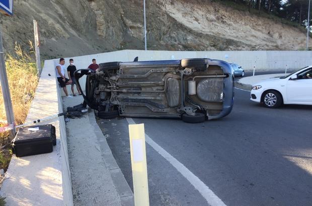 Edirne'de trafik kazası: 1 yaralı Virajı alamayan araç duvara çarptı, yolda yan yattı