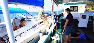 Denizden 420 bin poşet atık toplandı Muğla Büyükşehir Belediyesi, 'Mavi Deniz Temiz Kıyılar' projesi ile başlattığı denizden atık toplama hizmetinde bu güne kadar 420 bin 288 poşet katı atık topladı