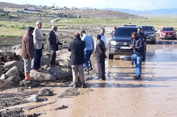 Çaldıran'da sel maddi hasara yol açtı Başkan Ensari sel bölgesinde incelemelerde bulundu