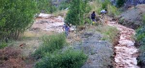 Erzincan'da sağanak yağış sele dönüştü