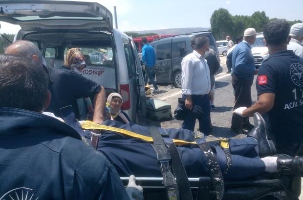 Kamyonetler çarpıştı: 3 yaralı