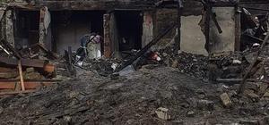 Mudurnu'da çıkan ev yangınında 2 çocuk öldü 13 yaşındaki çocuk traktör kepçesiyle kurtarıldı Yangında birbirine sarılı halde iki çocuğun cesedine ulaşıldı