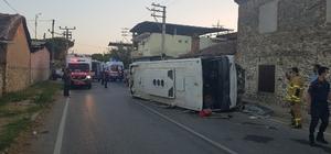 İşçi minibüsü ile otomobil çarpıştı: 1 ölü, 6 yaralı