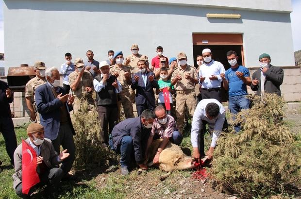 15 Temmuz Şehidi Yaşar'ın babası, operasyona katılan askerlere kurban kesti