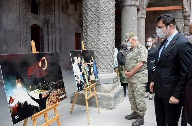 """Tarihi Çifte Minareli Medrese'de """"15 Temmuz"""" fotoğraf sergisi açıldı"""